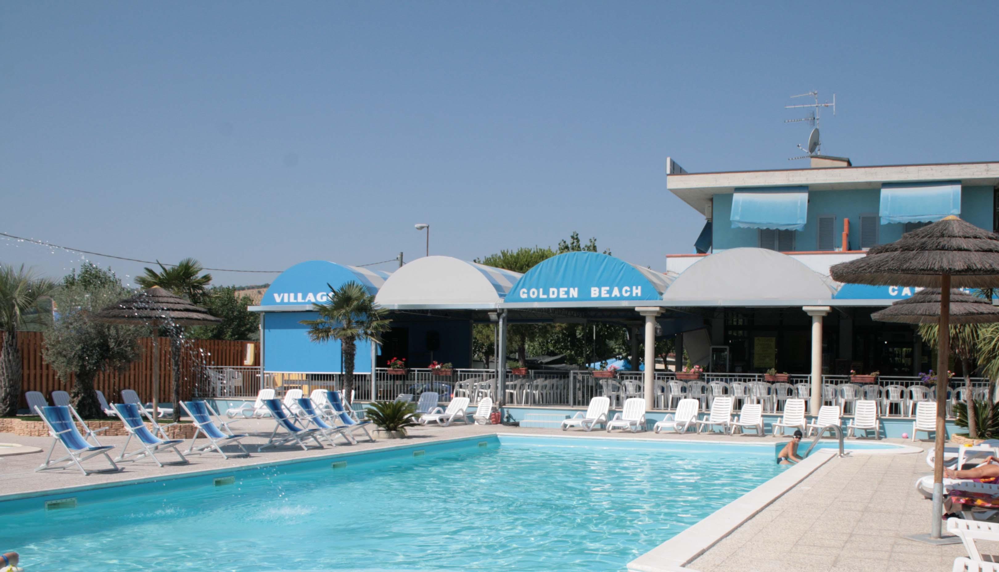 Villaggio golden beach camping village - Camping bagno privato ...
